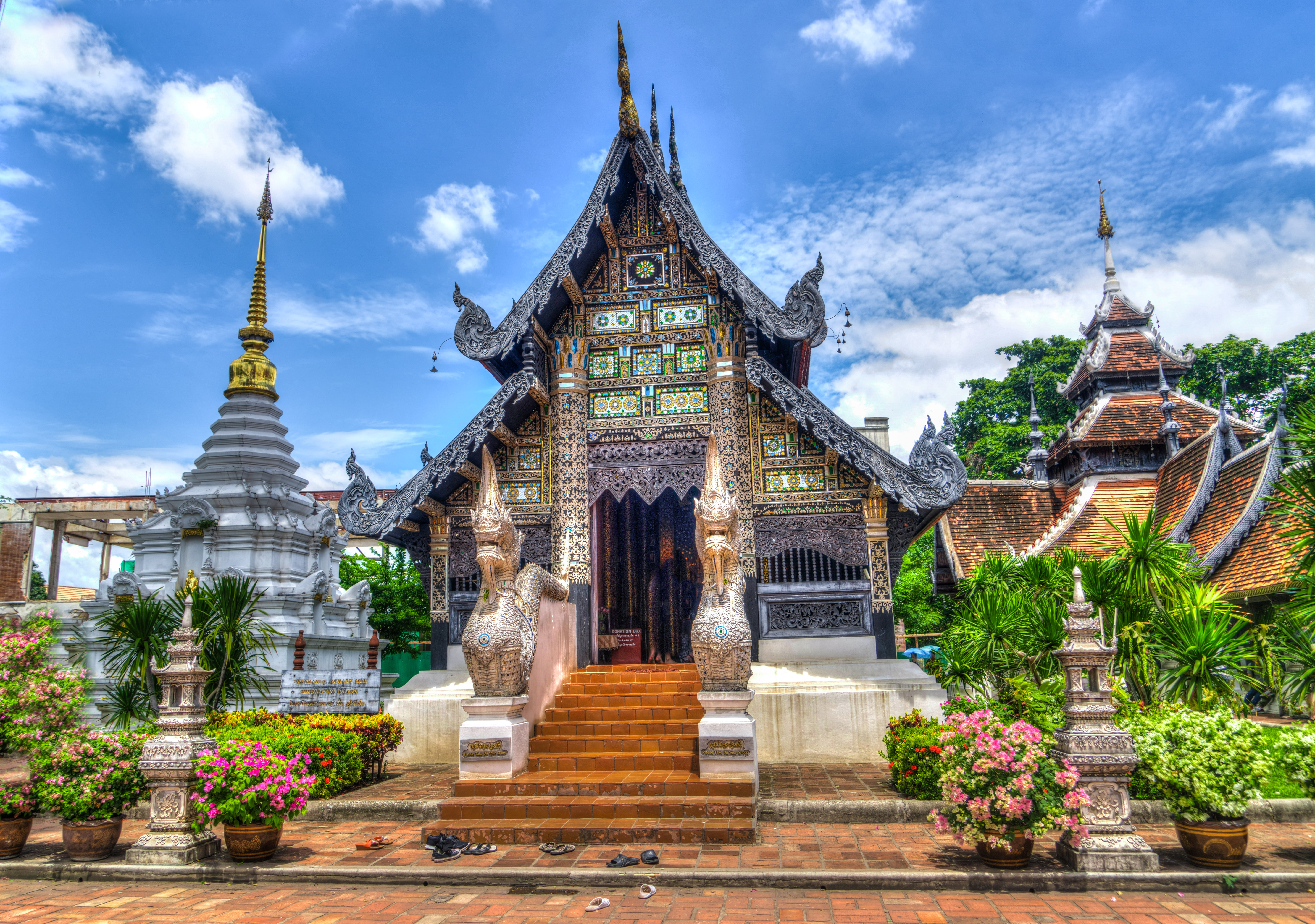 chiang-mai-1670926 image by Michelle Maria on Pixabay
